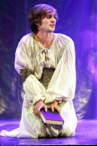 Hamlet Matthew Baldwin as Ophelia