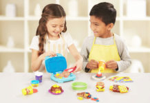 V&A Waterfront's wintery wonders childrens holiday activities. PLAY-DOH Kitchen Creations Junior Chef Competition