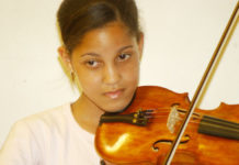 Violinist and teache rOdile Burden of the CPO's Masidlale programme