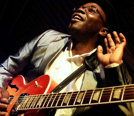 Jimmy dludlu jazz guitarist