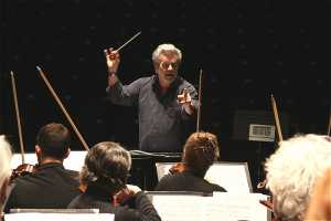 Conductor Bernhard Gueller