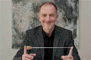 Guest conductor Rossen Milanov
