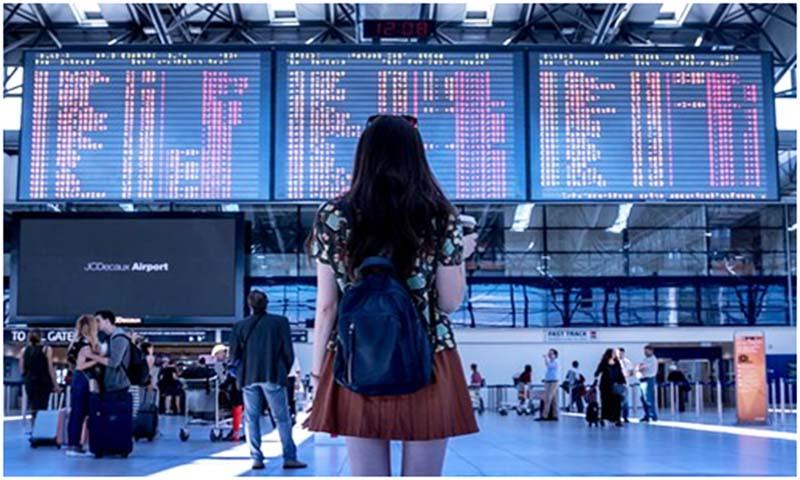 Think smart to find cheap flights online. Picture: Pixabay