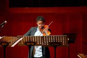 Refiloe Olifant on baroque violin