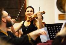 Baroque violinist Bettina von Dombois CTB