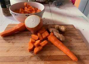 Megan Furniss Gets Cooking - Carrot Ginger Soup