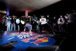 Delly battling Terry Sauls in the audition stop final. Picture: Craig Kolesky/Red Bull
