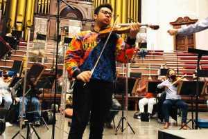 Jordan Brooks violinist